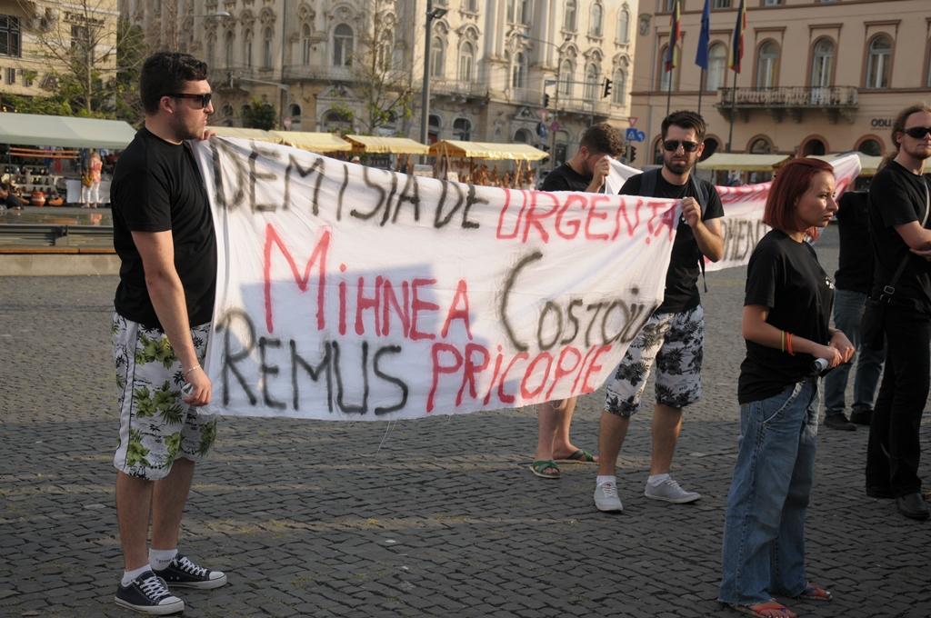 mars demisia de urgenta