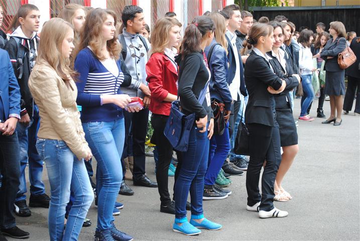 Elevi din 11 județe se revoltă: Gata cu conformismul! Ei reproșează singurei structuri actuale de reprezentare a elevilor că e controlată politic