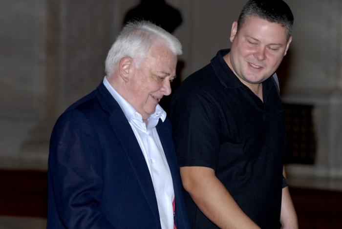 Deputatul Ioan Adam avizează arestarea preventivă a deputatului Ioan Adam!? Ce credeți că va face? Scapă cu un drum și Hrebenciuc?